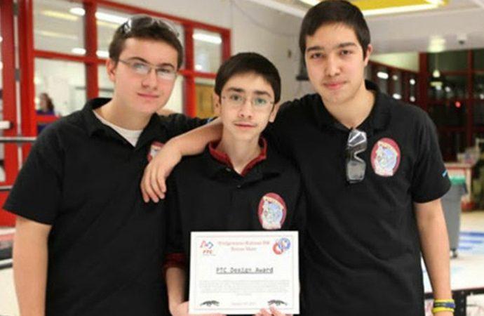 Türk Öğrencilerimizin Amerika Lisesindeki Başarısı